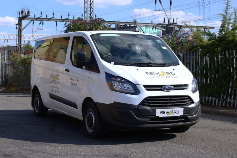 https://rewardvanhire.co.uk/wp-content/uploads/2019/07/9-seater-minibus-hire-800x533.jpg